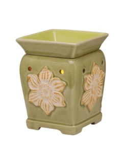 New Mid-Size Scentsy Warmer